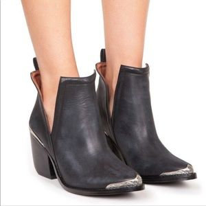•LOW PRICE MAKE OFFER• JC RARE CROMWELL BOOTIES